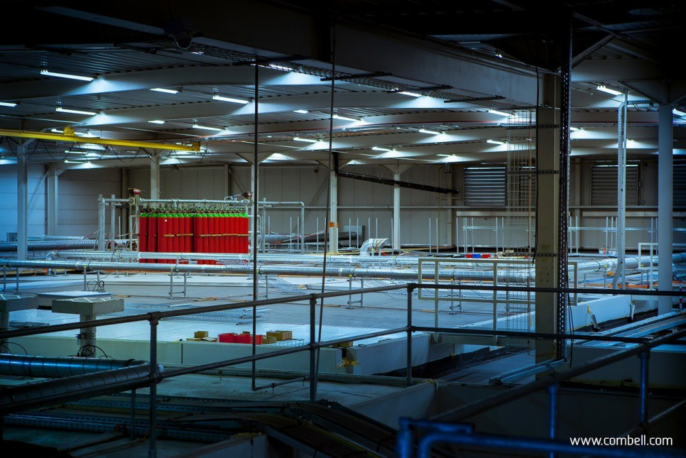 Double-ceiling system with fire safety in the data centre