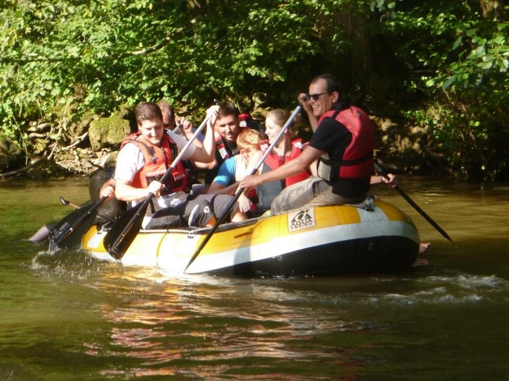 Combell team building épreuve de rafting sur la Lesse