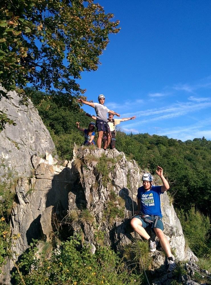 Combell team building parcours sur les rochers