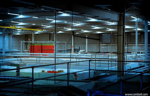 Dubbele dakstructuur InterXion datacenter Combell