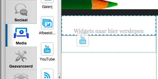 Klik en versleep de YouTube widget
